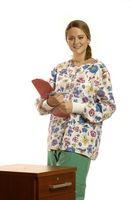 Qual è il codice di abbigliamento per una infermiera pediatrica?