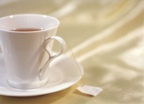 Come fare Sage Peppermint Tea per la tosse, mal di gola e influenza