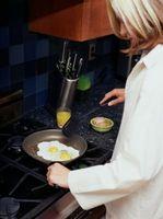 Come cucinare le uova con un acciaio inossidabile Pan