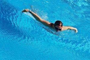 Come insegnare una lezione di aerobica acqua