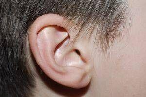 Rimedio domestico per la rimozione della cera di orecchio