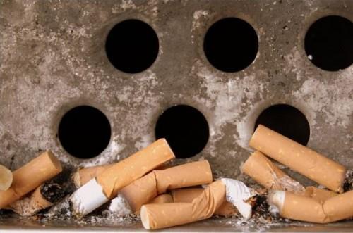 Gli effetti del fumo sulla pelle e denti
