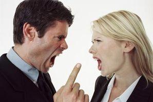 Classici segni di un abusatore sul luogo di lavoro