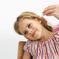 Come ottenere gocce per le orecchie di bambini