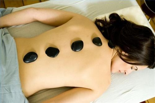 Come prepararsi Hot Stones per un Hot Stone Massage