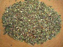 Come fare Allergy Tea: Trattamento di erbe di allergie stagionali o febbre da fieno