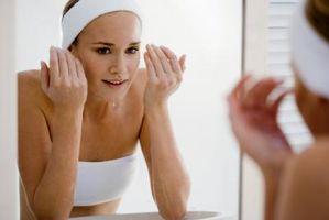 Come rimuovere Appartamento verruche sul viso