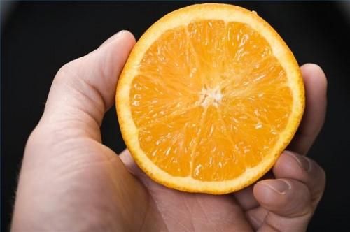 Come prendere la vitamina C per trattare morsi di animali