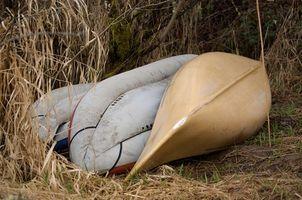 Come Posare un panno in fibra di vetro su una canoa