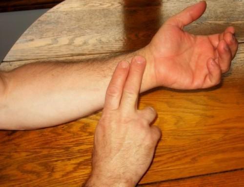 Qual è la frequenza del polso normale per gli uomini?