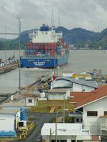 Come yacht attraverso il Canale di Panama
