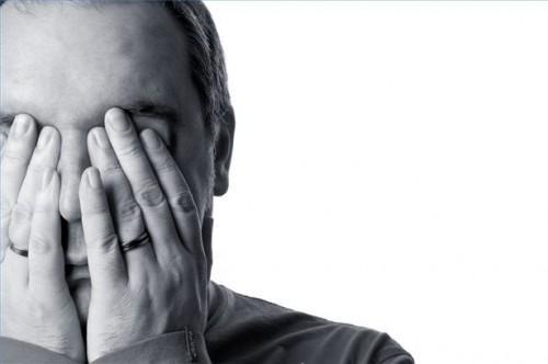 Quali malattie Causa diradamento dei capelli?