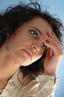 Quali sono le cause di mal di testa frequenti sulla cima della testa?