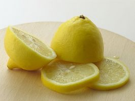 Problemi con succo di limone sulle labbra