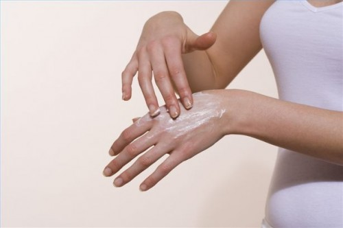 Come trattare la pelle Itchy con farina d'avena