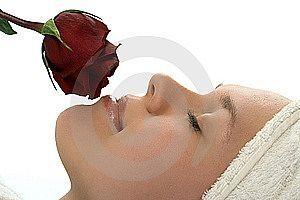 Come rimuovere macchie scure sulla pelle