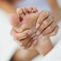 Segni e sintomi di tendinite al piede