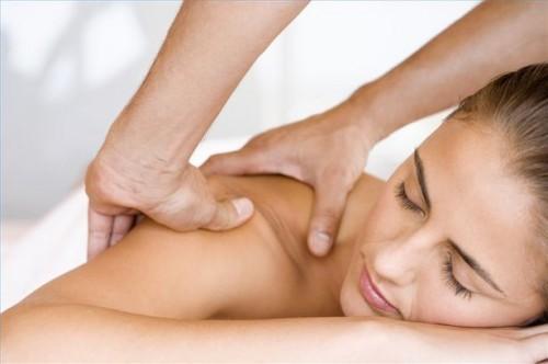 Come massaggiare i muscoli parte superiore della schiena