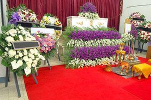 Come fare Composizioni floreali per i funerali