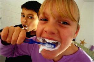 Quali sono le macchie bianche sui denti dei bambini?