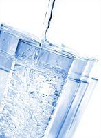 Come Bere acqua aiuta la perdita di peso