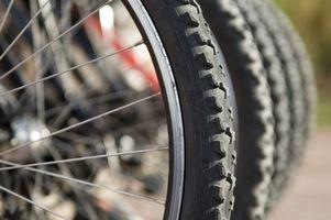 Come riparare un piatto posteriore della gomma della bicicletta