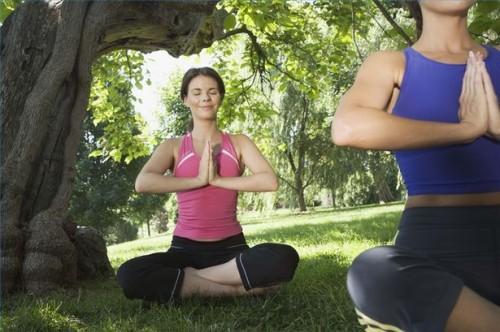 Come trattare TMJ Con Yoga
