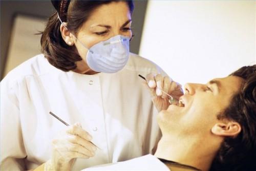 Come sostituire un impianto dentale non riuscita