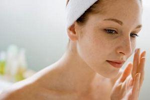 Come sbarazzarsi di arrossamenti e macchie scure sul viso