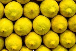 Come usare il succo di limone sul viso
