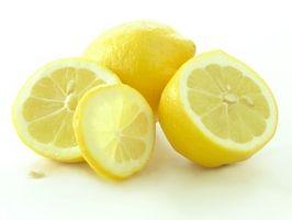 Come fare panna acida Utilizzando succo di limone estratto