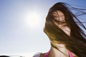 Che cosa controlla la crescita dei capelli?