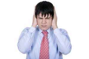 Quali sono le cause di drenaggio dell'orecchio?