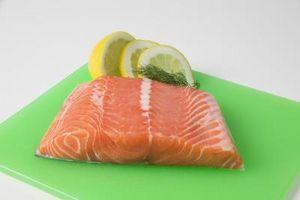 Quando cottura senza pelle di salmone, si fa a imbastire Sia l'alto e in basso?