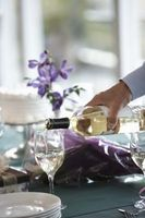 Diversi tipi di vino bianco