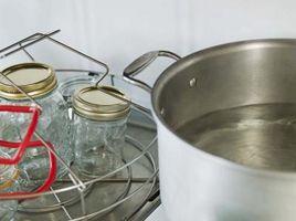 Cosa utilizzare per rimuovere un coperchio di vetro Da Canning Jars
